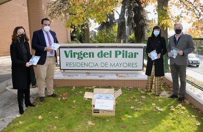 /media/noticias/fotos/pr/2020/11/24/el-ayuntamiento-reparte-mascarillas-quirurgicas-todos-los-vecinos-que-viven-en-las-residencias-de-boadilla_thumb.jpg