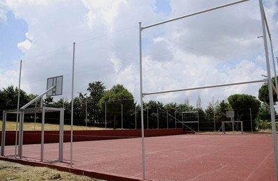 /media/noticias/fotos/pr/2021/06/01/la-calle-cabo-de-penas-estrena-pista-para-futbol-sala-y-baloncesto_thumb.jpg