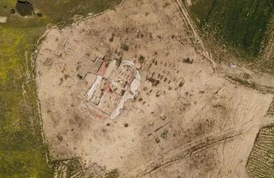 /media/noticias/fotos/pr/2021/06/05/boadilla-construira-una-ermita-en-el-cerro-de-san-babiles-similar-a-la-encontrada-por-los-arqueologos_thumb.jpg