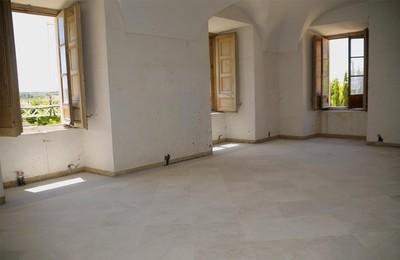 /media/noticias/fotos/pr/2021/07/19/nuevo-solado-en-las-estancias-contiguas-a-la-capilla-del-palacio-del-infante-d-luis_thumb.jpg