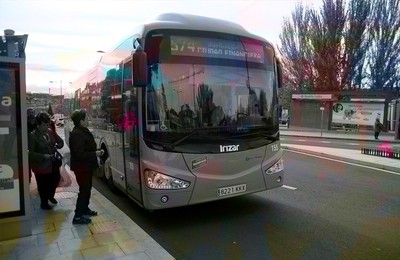 https://boadillain.es/media/noticias/fotos/pr/2021/10/21/vox-saca-consigue-un-autobus-lanzadera-desde-boadilla-hasta-el-cercanias-de-las-retamas-alcorcon_thumb.jpg